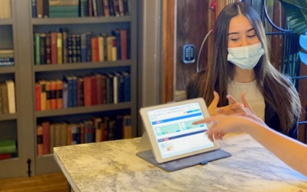 "Restaurants Embrace ""Touchless"" Business Texting During Pandemic"
